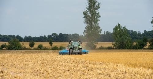 Fendt 718 Tractor
