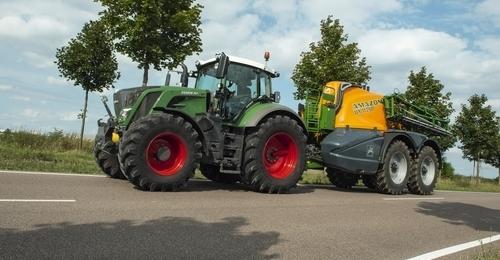 Fendt 824 Tractor