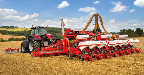 Massey Ferguson 8735 tractor