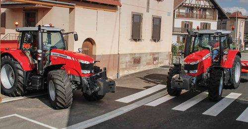 Massey Fergsuon 7726 200HP Tractor   Maple Lane