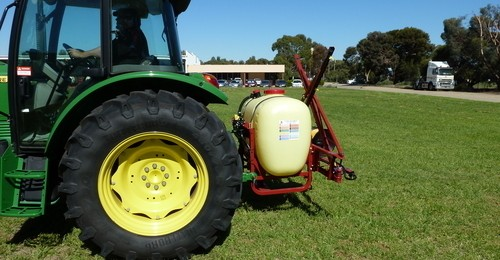 Hardi N-210 sprayer