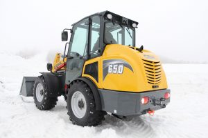 Gehl 650 in the snow