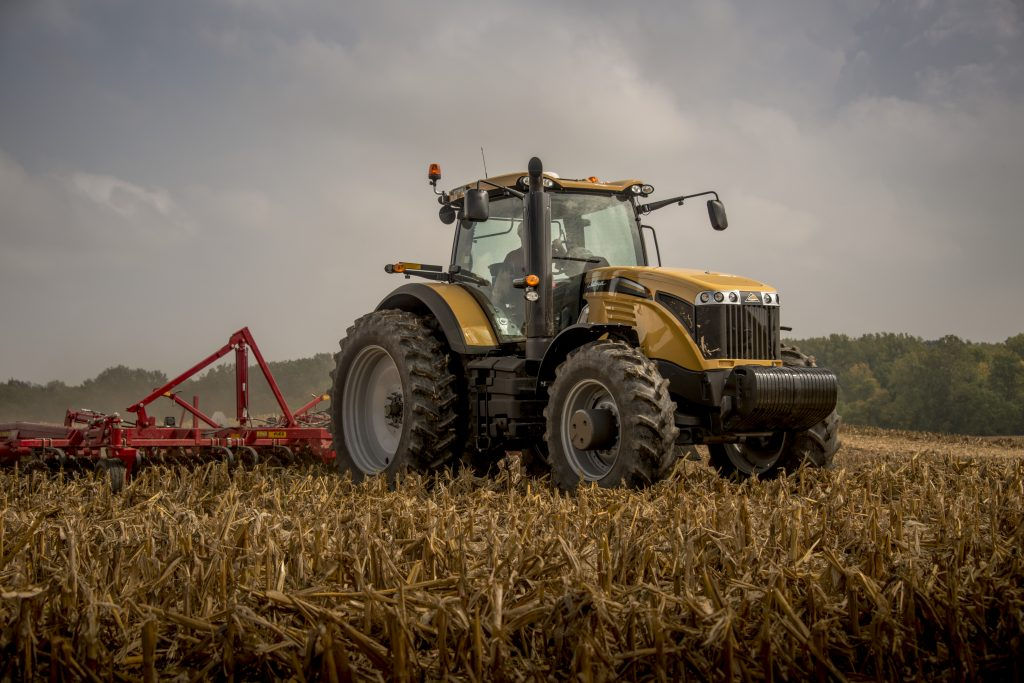 Challenger MT685E and tillage