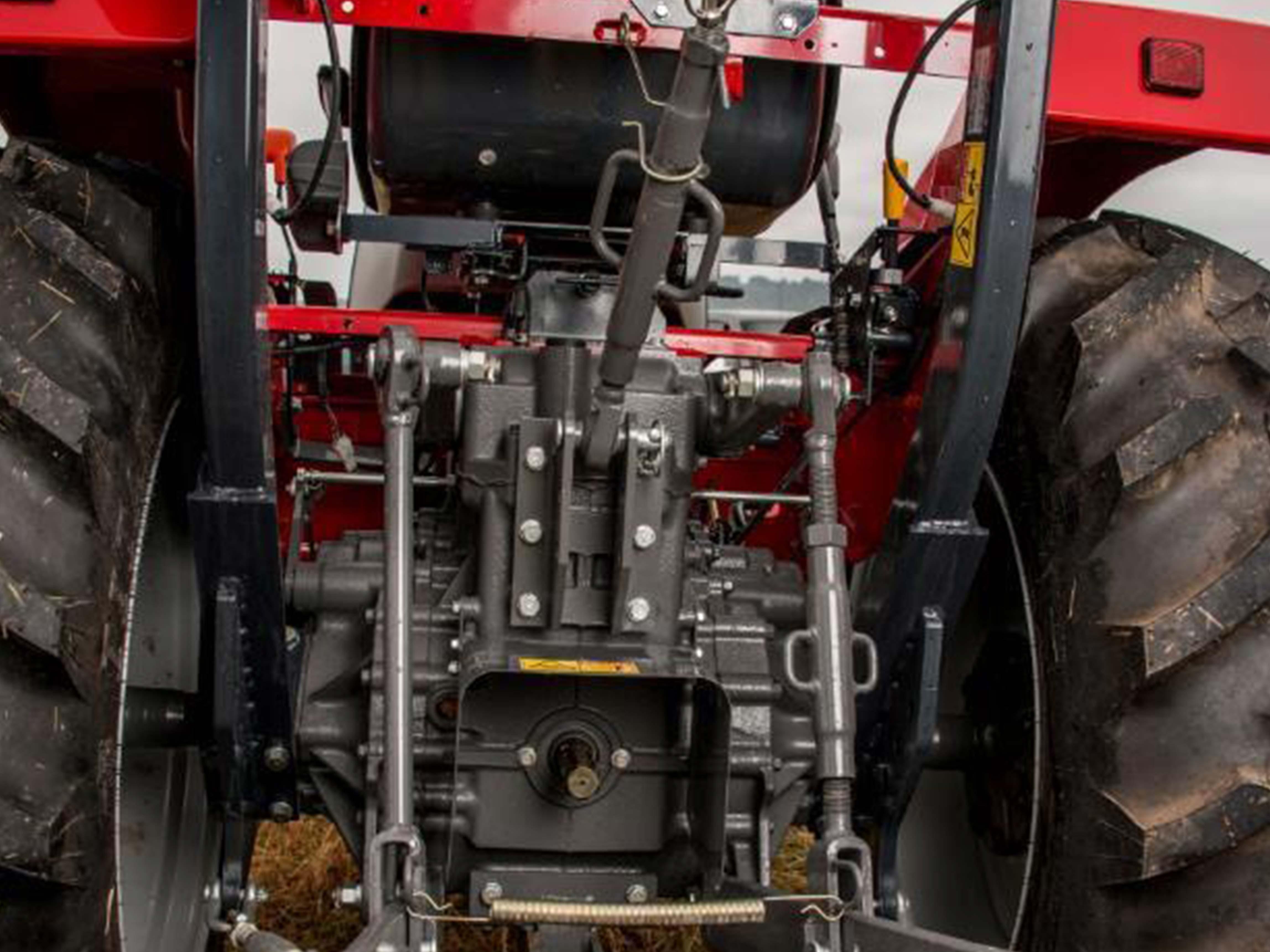 Massey Ferguson 1800E Rear