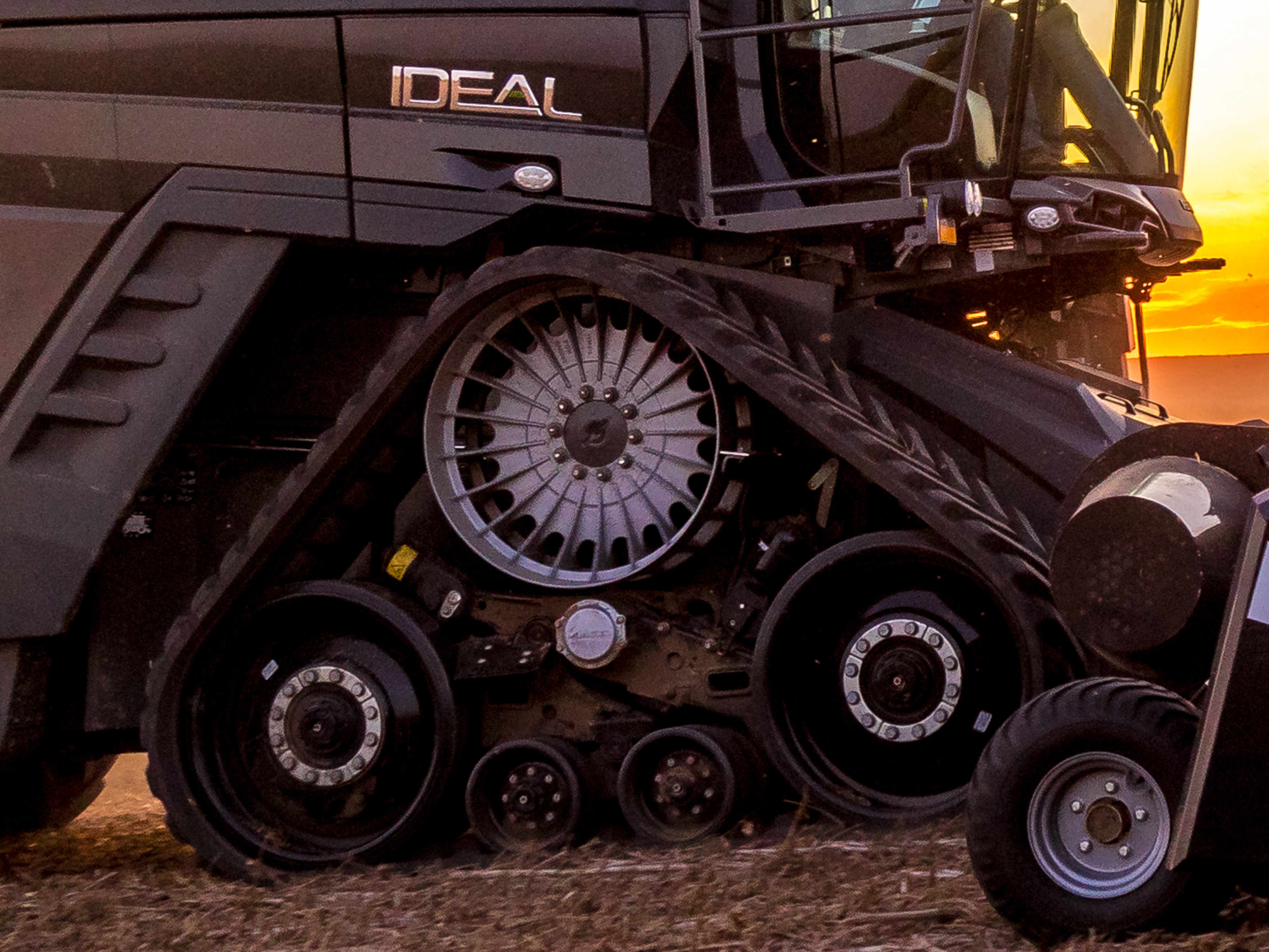 Fendt IDEAL Combine TrakRide System