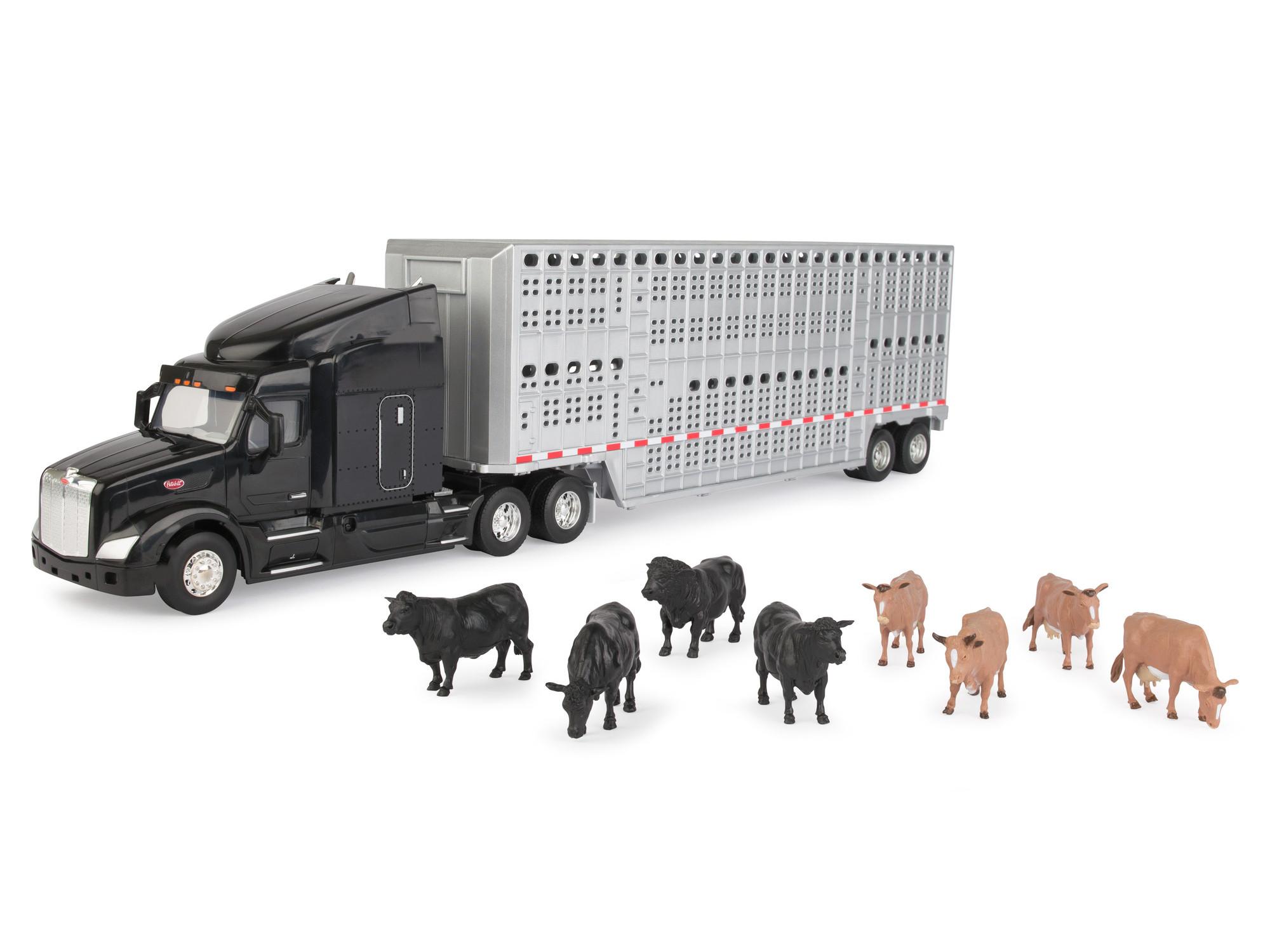 Peterbilt With Livestock Trailer